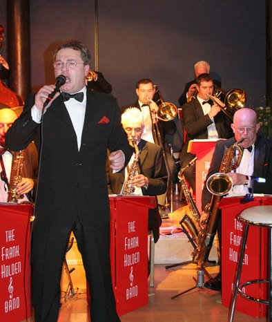Sinatra Entertainment UK : photo : Frank and Horns