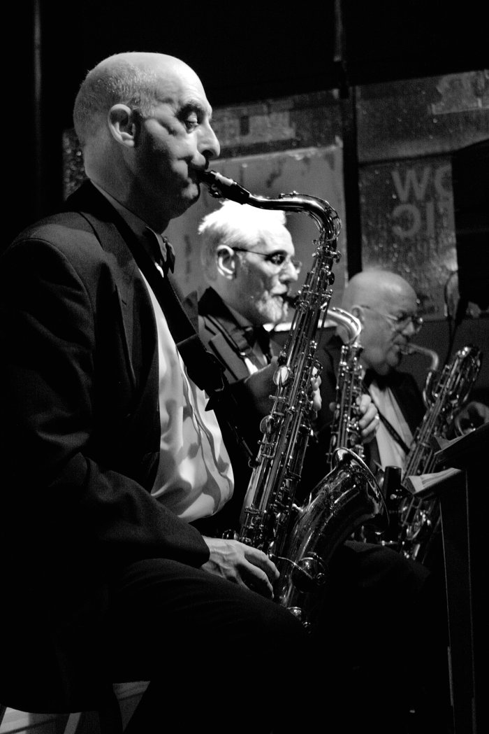 Sinatra Entertainment UK : photo : The Sax Section