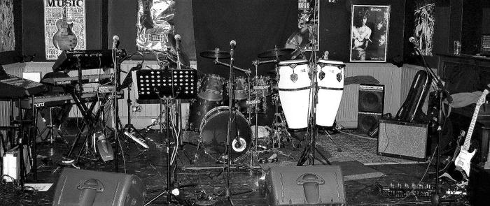 9. SET UP WITH PERCUSSION