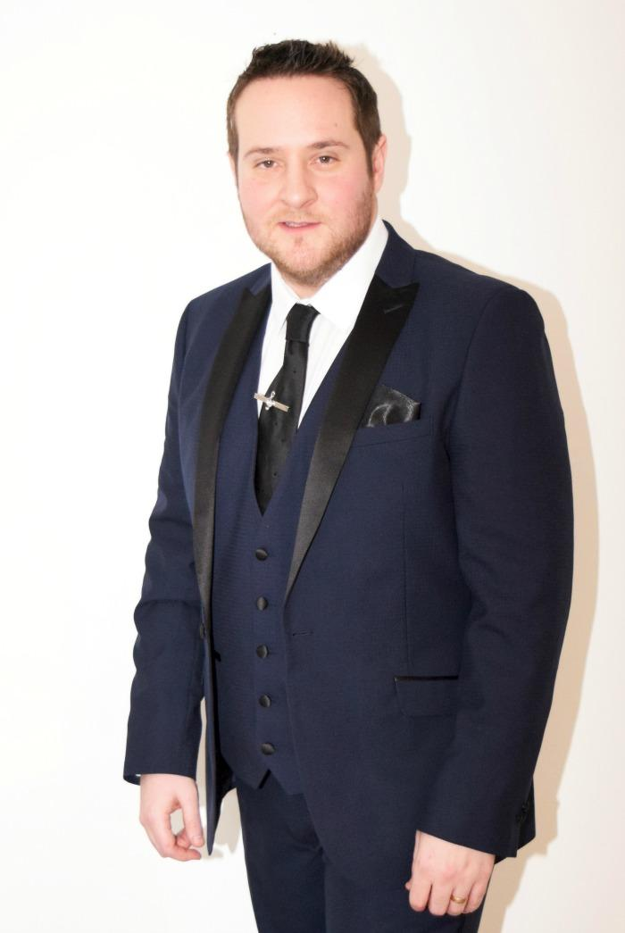 4. Buble & Band Vocalist