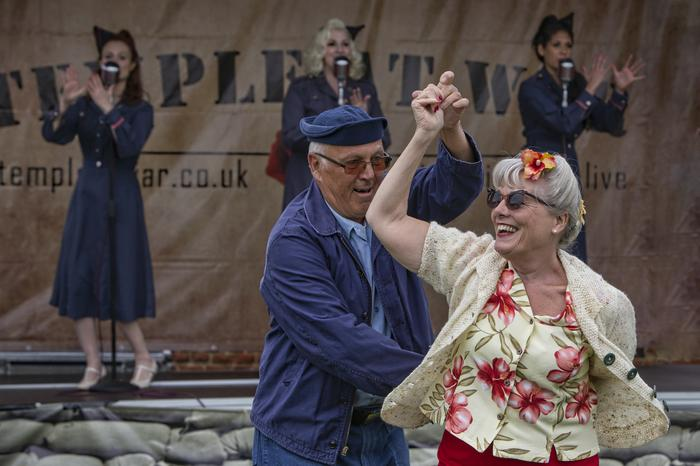 6. Wartime Show