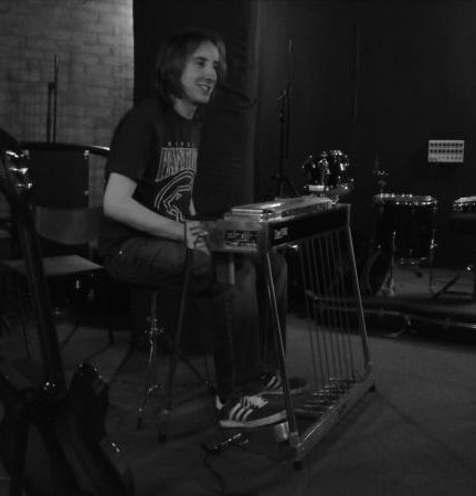 The Midnight Jazz Band : photo : Chris Pedal Steel (in the studio)
