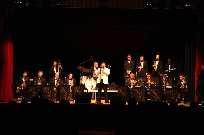 2. Big band, big swing