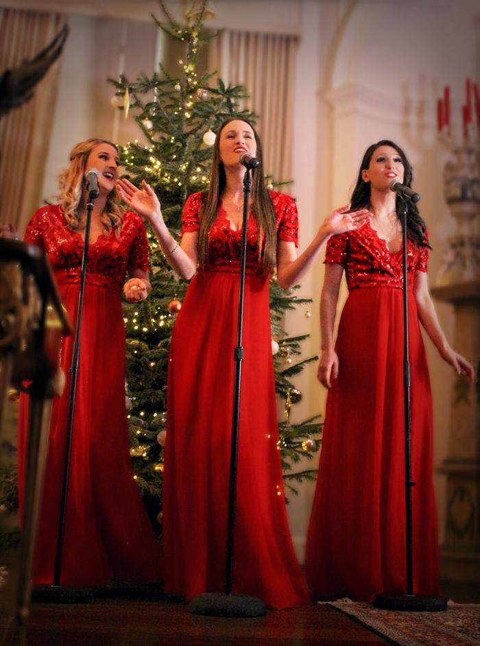 6. Festive female trio