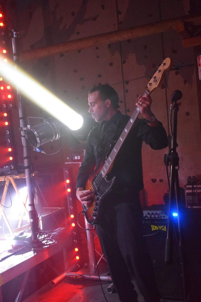 6. J.Bo on bass