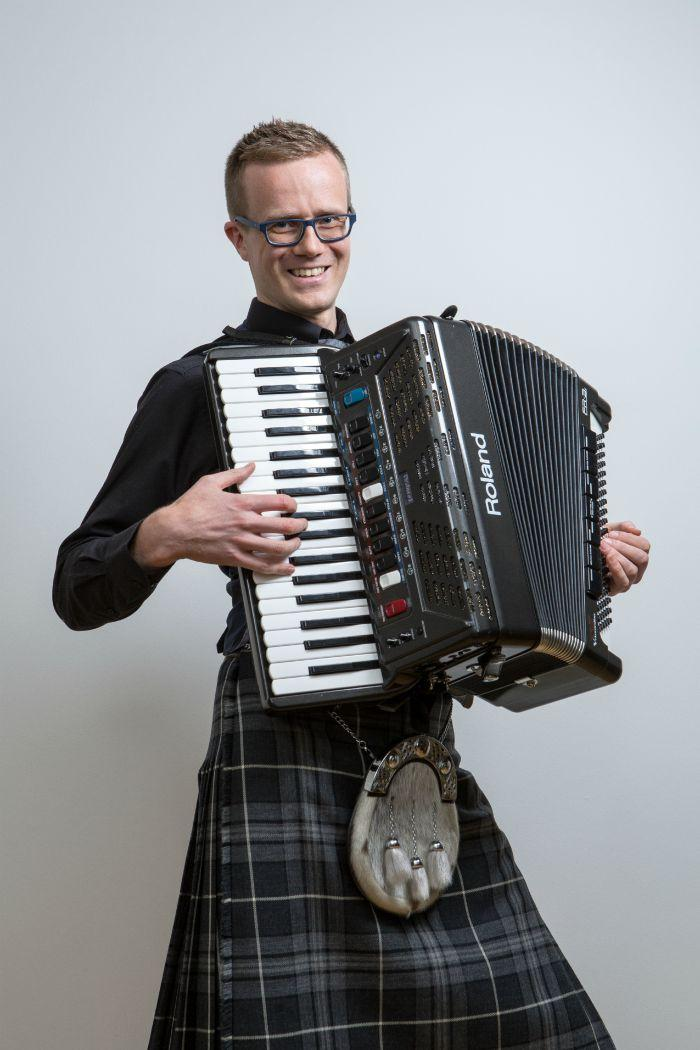 7. Gregor - Accordion & Piano