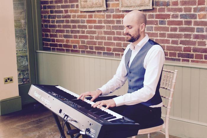 1. Pianist