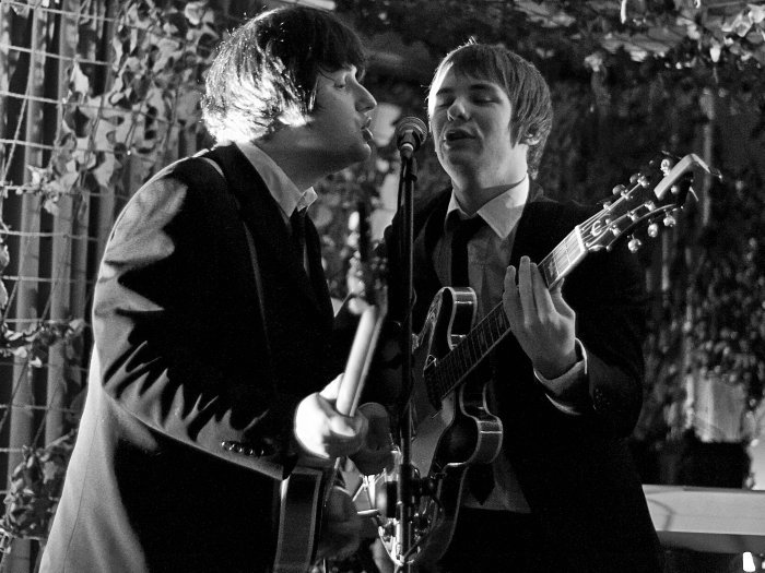 Thee Beatles : photo : Derek (Paul) & Paul (John)