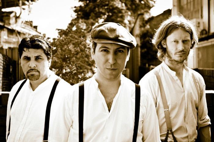 4. Trio Manouche