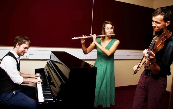 1. Trio Scaramouche - Promo shot 2