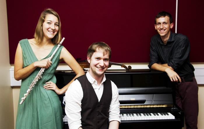 2. Trio Scaramouche - Promo shot 3
