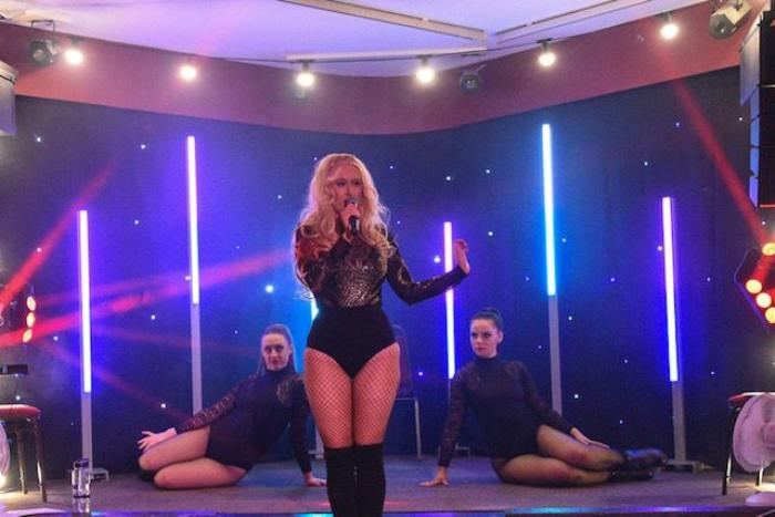 8. Vickylou - Britney Spears Tribute