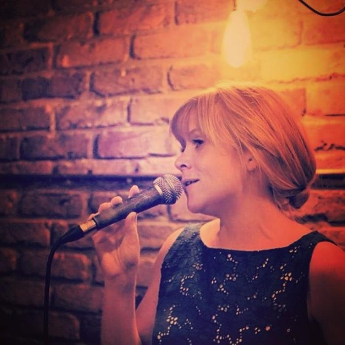 2. Sara sings at The Nightjar