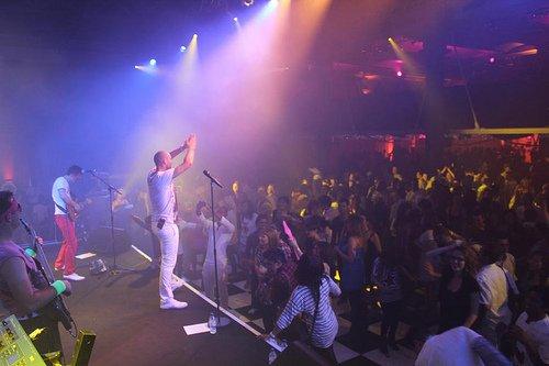 4. Live Shot 2011