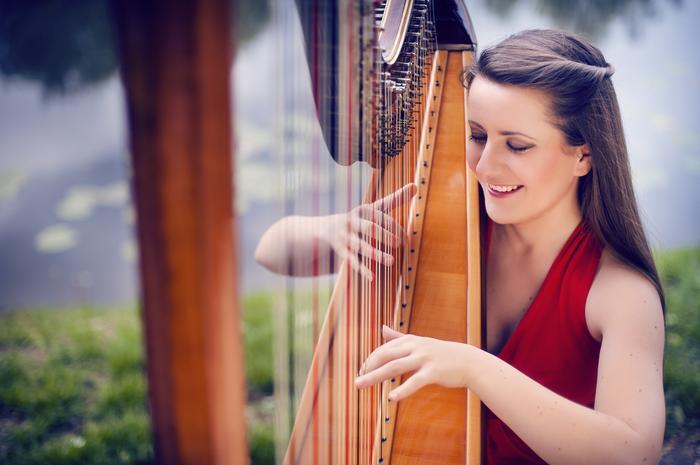 4. Zuzanna Olbrys - harpist