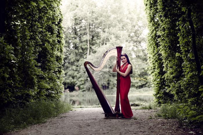 3. Zuzanna Olbrys - harpist