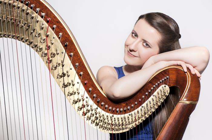1. Zuzanna Olbrys - harpist